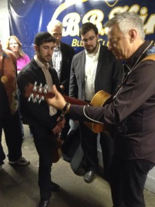Tommy Emmanuel at his backstage meet and greet