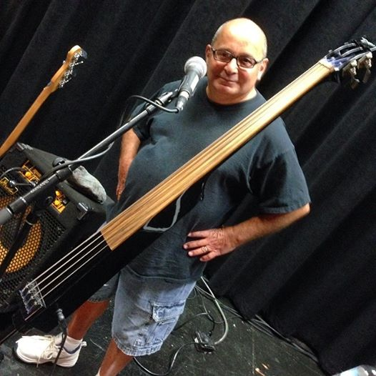 Bass Player Jeff Gray