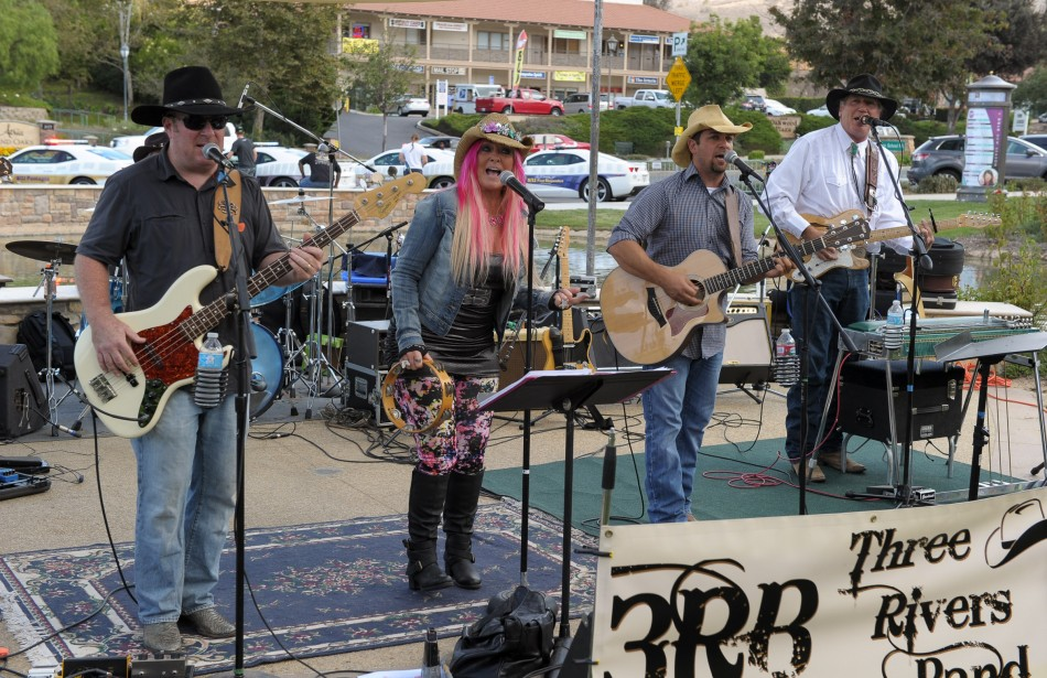The 3 Rivers Band (with Brian Stark on bass on the left)